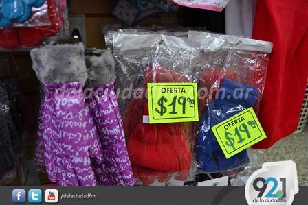 En el local de calle Ciudad de Rodez 169 de Pigüé es posible encontrar  abrigos ffbe34d46e61